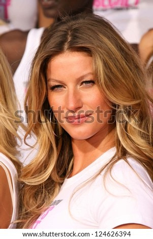 Gisele Bundchen receiving the Key to the City of Hollywood. Grauman's Chinese Theatre, Hollywood, California. November 15, 2006. - stock photo
