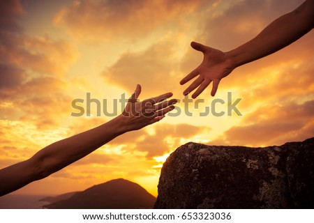 giving helping hand team work concept の写真素材 今すぐ編集