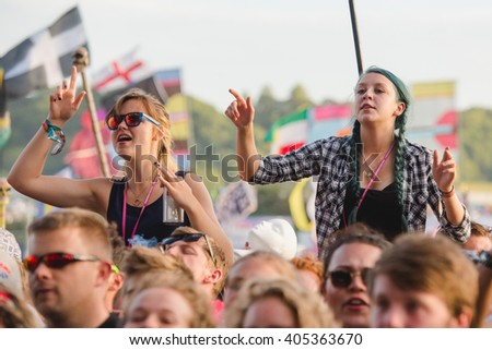 Glastonbury, Somerset, UK - June 28, 2015 - Festival goers enjoying Jamie T playing Glastonbury Festival's Other Stage