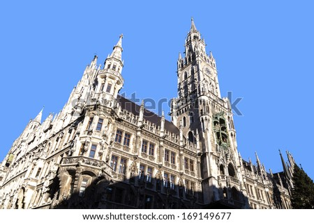 Glockenspiel on the famous Munich city hall