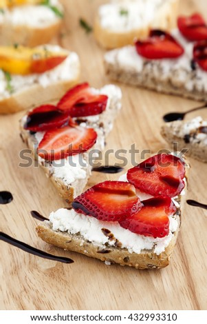 Goat's cheese, peach and strawberry bruschetta healthy finger food.