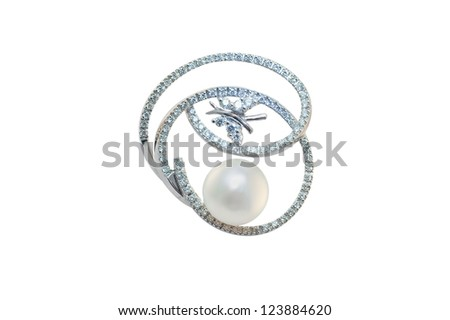 golden brooch with pearl and diamonds