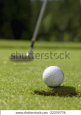 golfball and putter