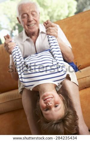 Видео секс деды трахают внучек 49