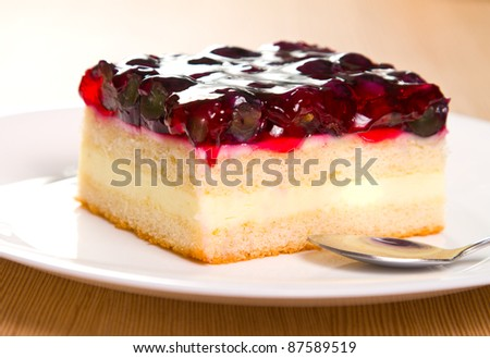 Grape cake with berry flavored jelly
