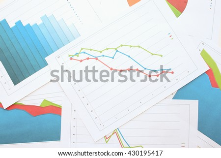 Graph with markers among other diagrams