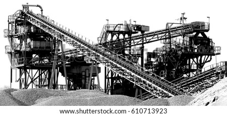 gravel plant with conveyor lines