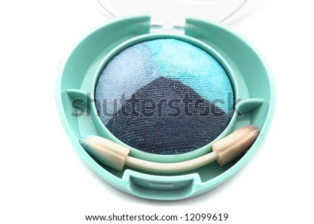 Green and blue eye-shadows
