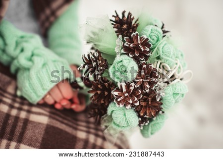 green and brown winter wedding closeup details