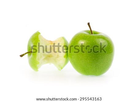 Green apple, isolated on a white background