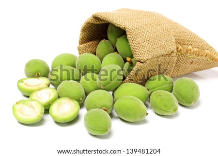 green apricots