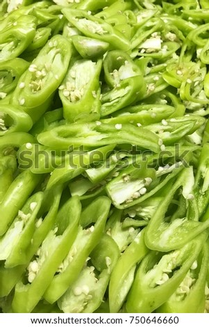 Green bell peppers slice