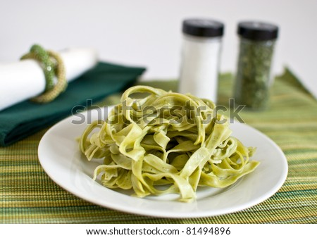 Green pasta with spinach