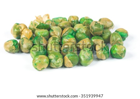 Green pea scattered on white