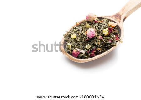 Green tea with rose flowers.