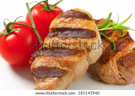 grilled tenderloin with fresh tomatoes