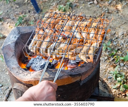 Grilling shrimp on  stove