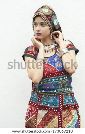 Pictures of traditional dress of gujarat