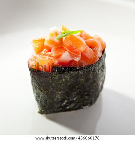 Gunkan Sushi Roll with Sliced Spicy Salmon