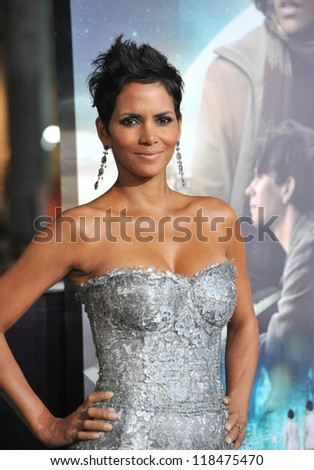 """Halle Berry at the Los Angeles premiere of her new movie """"Cloud Atlas"""" at Grauman's Chinese Theatre, Hollywood. October 24, 2012  Los Angeles, CA - stock photo"""