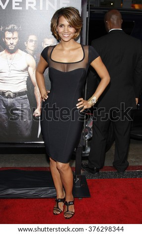 """Halle Berry at the Los Angeles Premiere of """"X-Men Origins: Wolverine"""" held at the Grauman's Chinese Theatre in Hollywood, USA on April 28, 2009. - stock photo"""