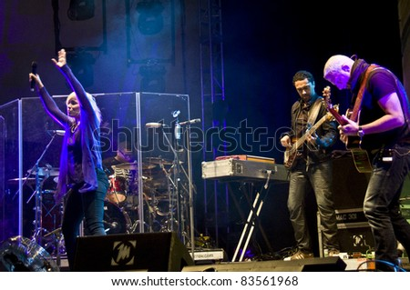 HALLE, GERMANY - AUGUST 27: Natasha Bedingfield performs with her band at the 75th Laternenfest on August 27, 2011 in Halle, Germany.
