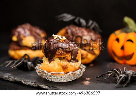halloween cream puffs¨ with dark chocolate stuffing