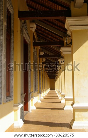 hallway of the royal palace of cambodia