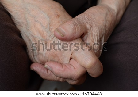 hands of a senior person