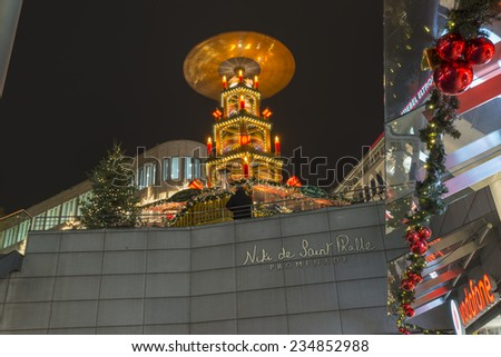 HANNOVER, GERMANY - NOVEMBER  28, 2014: The Niki-de-Saint-Phalle-Promenade is a shopping promenade in the city centre of Hannover.