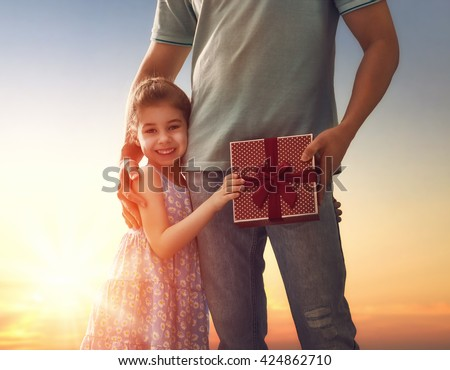 Daughter give dad hanndjob