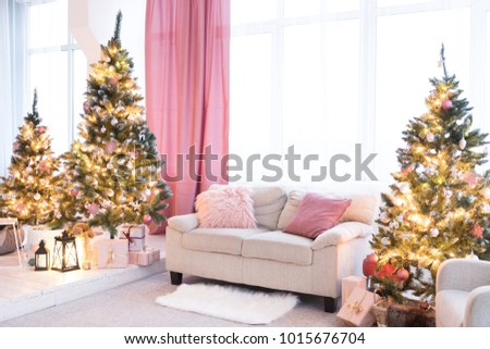 Enchanting Christmas Decorations For Living Room Embellishment ...