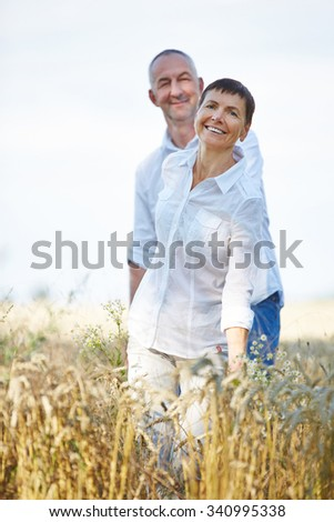 happy senior singles If the position for senior copy writer suddenly becomes available the secret to happy dating is to not have any how to be a happy single woman dating.