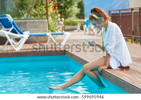 Happy Smartphone Woman Relaxing Near Swimming Stock Photo 599695946 Shutterstock
