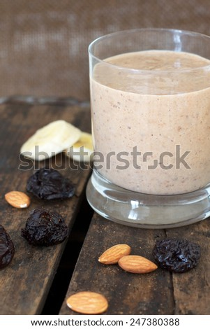 Healthy Breakfast Smoothie with Prunes and Almonds