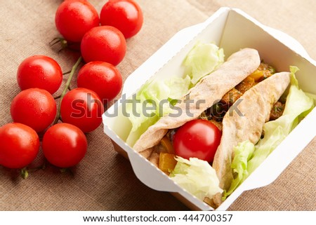 healthy eating vegetables in pita bread