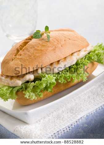 healthy sandwich with chest of grilled chicken and lettuce