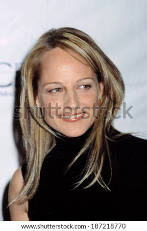 Helen Hunt at Christopher Reeve Paralysis Foundation gala, NY 11/13/2001