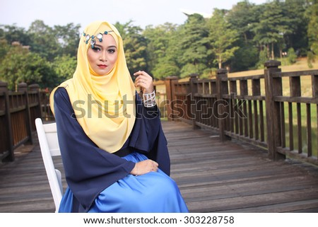 white river muslim single women Muslims create a literal river of human blood by butchering 1500 innocent people by ted on july 29, 2014 in featured, general, highlight shoebat exclusive by.