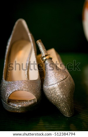 high heels with ring