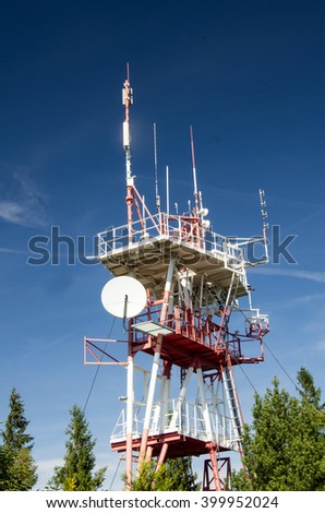 high mast with lots of aerials