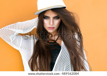 Hipster Teen Girl Posing Over Wall,street Autumn Style,cap,denim Sport,