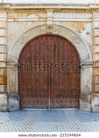 Heavy Wooden Door Stock Images, Royalty-Free Images & Vectors ...