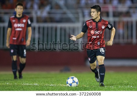HO CHI MINH-VIETNAM JANUARY23:Sarach Yooyen of Muangthong Utd in action during The SCG Muangthong Utd Asean Tour 2016 Binh Duong and Muangthong Utd at Thong Nhat Stadium on Jan23,2016 in Vietnam
