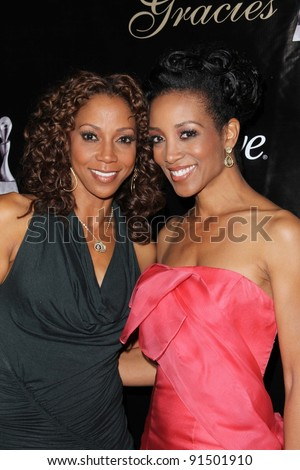 Holly Robinson Peete, Shaun Robinson at the 36th Annual Gracie Awards Gala, Beverly Hilton Hotel, Beverly Hills, CA. 05-24-11