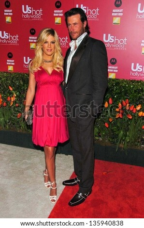 HOLLYWOOD - APRIL 26: Tori Spelling and Dean McDermott at the US Weekly Hot Hollywood Awards at Republic Restaurant and Lounge on April 26, 2006 in West Hollywood, CA. - stock photo