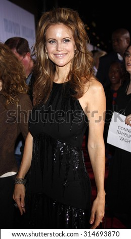 HOLLYWOOD, CA - NOVEMBER 09, 2009: Kelly Preston at the World premiere of 'Old Dogs' held at the El Capitan Theater in Hollywood, USA on November 9, 2009.