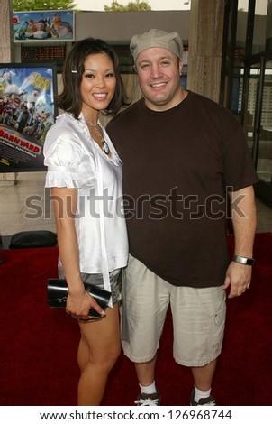 "HOLLYWOOD - JULY 30: Steffiana De La Cruz and Kevin James at the World Premiere of ""Barnyard"" at Cinerama Dome July 30, 2006 in Hollywood, CA. - stock photo"