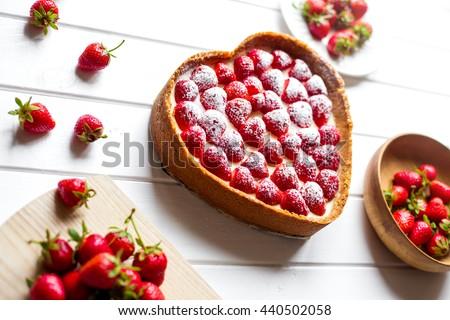 Homemade strawberry cheese cake - stock photo
