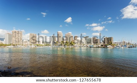 Honolulu cityscape and hotels with seafront